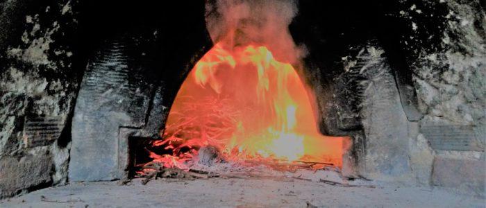 Forno 1 700x300 Il pane cotto nel forno a legna