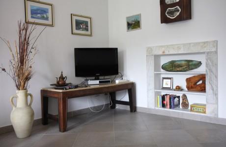 Glicine Salotto 460x300 Wisteria Drawing Room