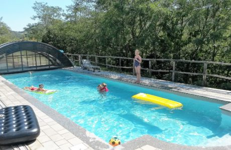 Tutti in piscina 460x300 English style
