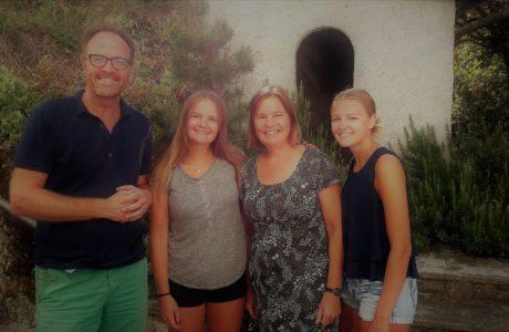 Van Hooren Family at Villa Cheti 1 460x300 Van Hooren Family