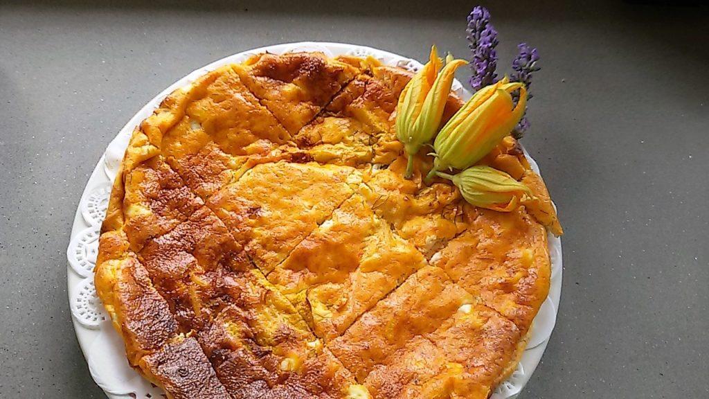 frittata di pasta fiori di zucchine al profumo di lavanda 1024x576 Una domenica ai fornelli 8230
