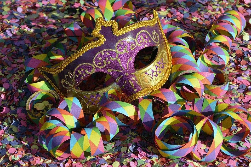 maschera di carnevale Carnevale in campagna e al mare