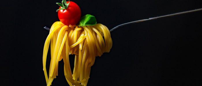 pomodoro spaghetti basilico 700x300 Il Pomodoro il rosso amico di pelle e capelli
