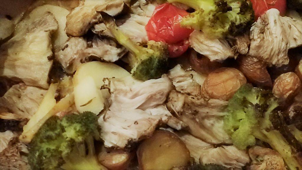 teglia di patatepomodoricavolfiorefunghi 1024x576 Funghi con il Pesce