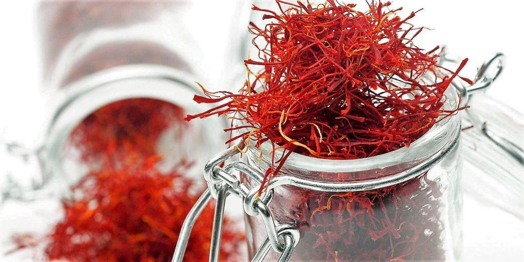 zafferano in pistilli 1 1024x512 Saffron Flowers and Pistils